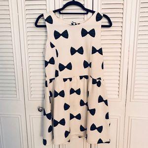 H&M Bow Print Skater Dress